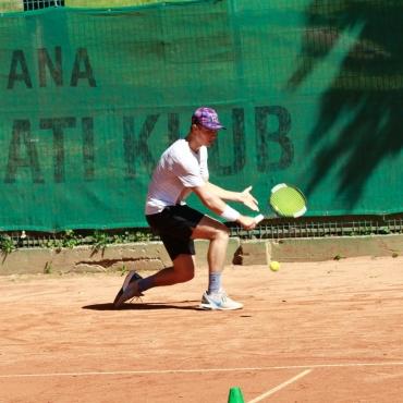 Grega Grebenšek in Žiga Bradaška v glavni žreb turnirja ITF 4 v Radomljah