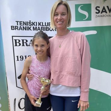 Sara in Aleksej četrtfinalista na DP do 12, Luka v drugi krog DP do 16 let, Sara polfinalistka med dvojicami
